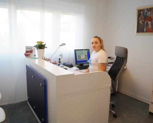Wir begrüßen Sie in unserer Zahnarztpraxis am Römerkastell in Stuttgart am Hallschlag