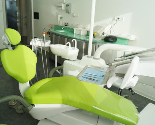 Die Praxis von Zahnarzt Dr. Hossain Shah Noor und Dr. medic. stom. (R) Elena Pasternak